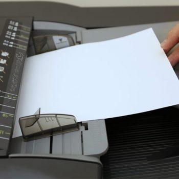 چسبیدن کاغذهای کپی به یکدیگر